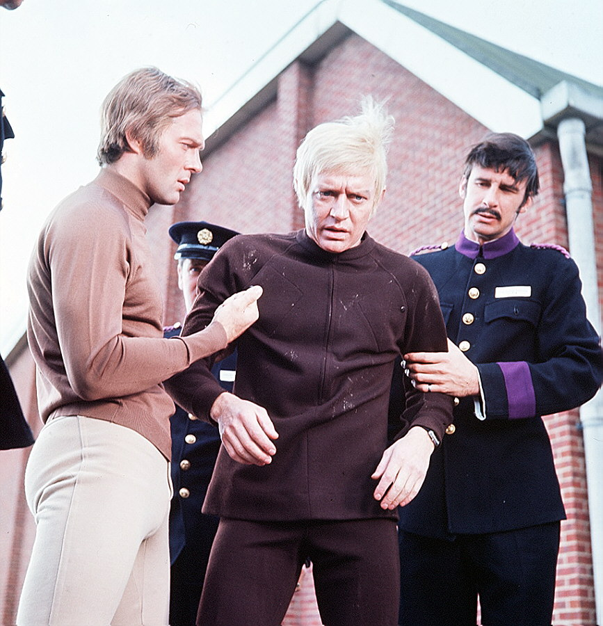Straker and Foster in TImelash. Courtesy of UFO Seroes home page